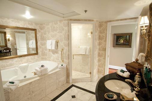 市场廷苑酒店 - 查尔斯顿 - 浴室