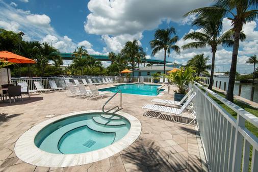 马里纳马坦萨斯湾旁滨海度假村 - 迈尔斯堡海滩 - 酒店设施