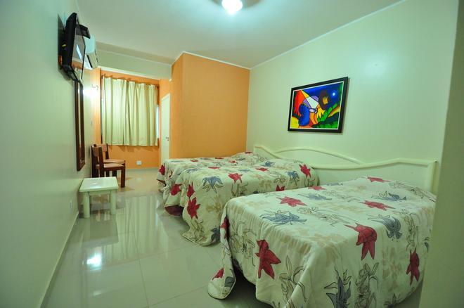 布里斯旅馆酒店 - 戈亚尼亚 - 睡房
