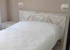 波拿巴特酒店 - 巴斯蒂亚 - 睡房