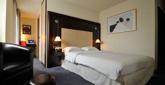邦留酒店 - 阿讷西 - 睡房