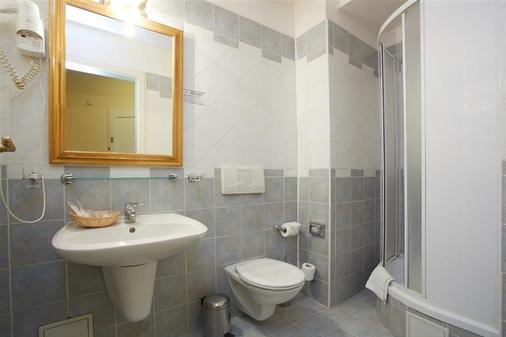 罗耶尔画馆酒店 - 布拉格 - 浴室