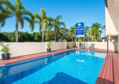 海伊查帕拉尔汽车旅馆 - 凯恩斯 - 游泳池