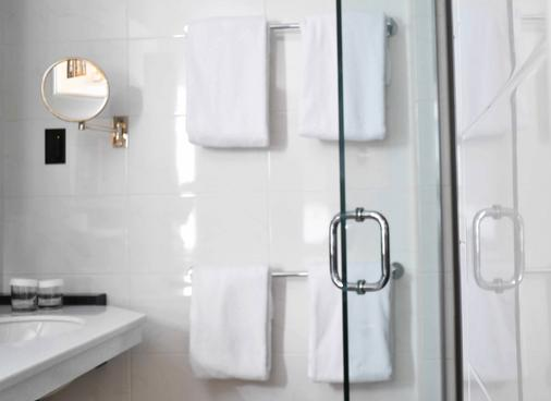 华盛顿广场酒店 - 纽约 - 浴室
