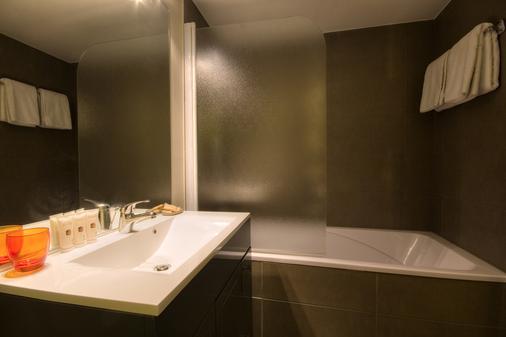 乐莱斯圣雅克酒店 - 圣让-德吕兹 - 浴室