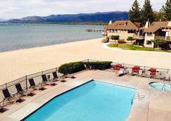 塔霍湖岸旅馆及Spa - 南太浩湖 - 游泳池