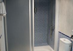 洛斯那然约斯酒店 - Cáceres - 浴室