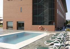 马拉加西班牙波萨达斯酒店 - 马拉加 - 游泳池