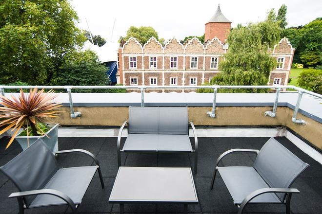 Yha伦敦荷兰公园酒店 - 伦敦 - 阳台
