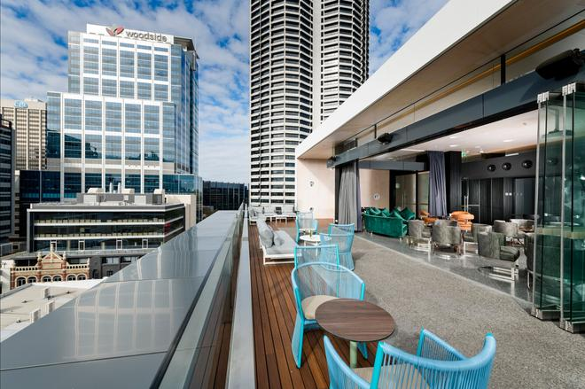 珀斯墨尔本酒店 - 珀斯 - 阳台