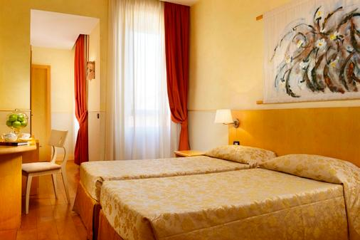 罗马阿佛罗蒂特酒店 - 罗马 - 睡房