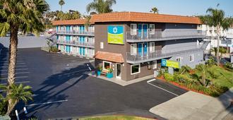 圣地亚哥红顶客栈 - 太平洋海滩/海洋世界区 - 圣地亚哥 - 建筑
