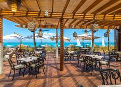 七星度假村及Spa - 普罗维登西亚莱斯岛 - 餐馆