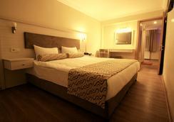 格兰德泽贝克酒店 - 伊兹密尔 - 睡房