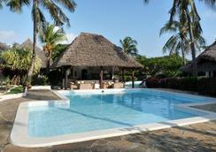 Dorado Cottage Atlantis Club - 马林迪 - 游泳池