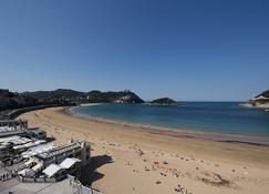 妮扎酒店 - 圣塞瓦斯蒂安 - 海滩