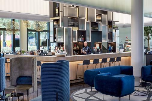 华美达广场巴塞尔会议中心酒店 - 巴塞尔 - 酒吧