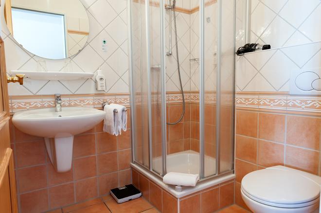 库泽腾酒店 - 不莱梅 - 浴室