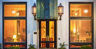 雷诺广场普兰特斯酒店 - 萨凡纳 - 建筑