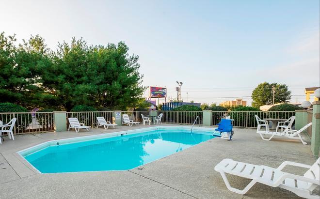 克拉克斯维尔红顶酒店 - 克拉克斯维尔 - 游泳池