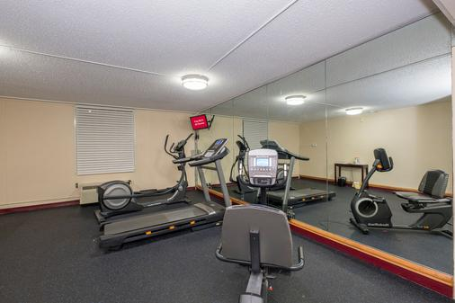Red Roof Inn Knoxville Central - Papermill Road - 诺克斯维尔 - 健身房