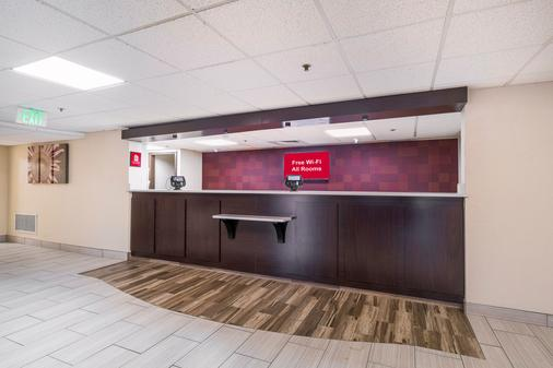 Red Roof Inn Knoxville Central - Papermill Road - 诺克斯维尔 - 大厅
