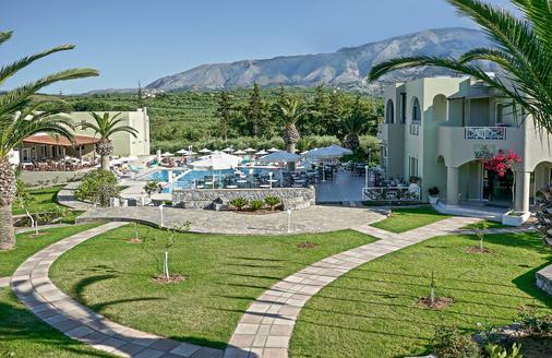 瓦尔迪橄榄花园酒店 - 耶奥伊乌波利斯 - 建筑