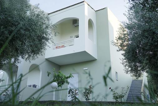 瓦尔迪橄榄花园酒店 - 耶奥伊乌波利斯 - 阳台