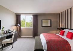 铂尔曼酒店-图卢兹机场 - 布拉尼亚克 - 睡房