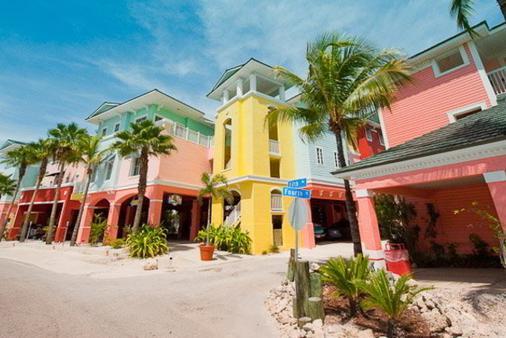 灯塔度假胜地:套房宾馆 - 迈尔斯堡海滩 - 建筑