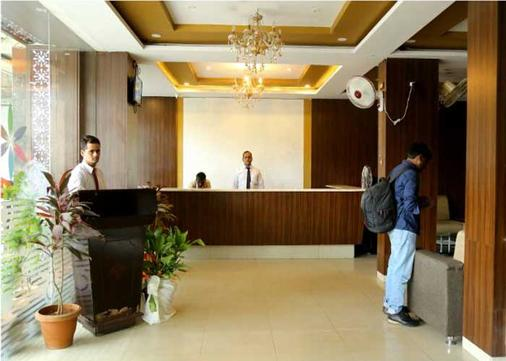 桑达希尼大酒店 - 海得拉巴 - 柜台