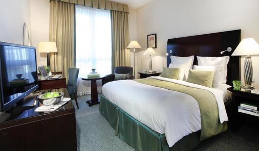 琳达城市广场酒店 - 科隆 - 睡房