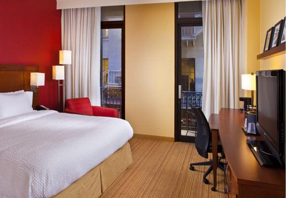 法国区旁新奥尔良市中心万怡酒店 - 新奥尔良 - 睡房