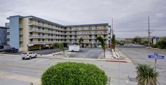 海岸棕榈树客栈及套房酒店 - 大洋城 - 建筑