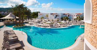 英索特尔塔里达海滩珊莎托里渡假村 - 式 - 普拉亚登博萨 - 游泳池