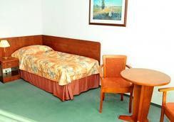 格罗马达华沙中心酒店 - 华沙 - 睡房