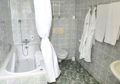 格罗马达华沙中心酒店 - 华沙 - 浴室