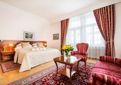 布拉格七天精品酒店 - 布拉格 - 睡房