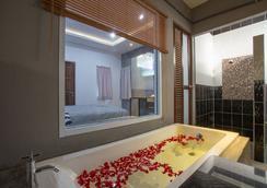 88 Fine Hotel - 素叻 - 浴室