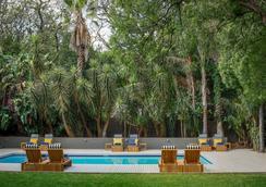 阿特霍广场酒店及别墅 - 约翰内斯堡 - 游泳池