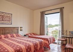 埃尔帕索冒险港酒店 - 带主题公园门票 - 萨洛 - 睡房