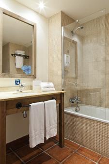 埃尔帕索冒险港酒店 - 带主题公园门票 - 萨洛 - 浴室