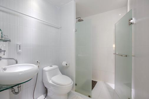 中华帝王设计酒店 - 普吉岛 - 浴室