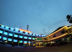 斯瓦纳迪维帕酒店 - 巨港 - 建筑