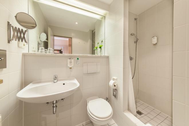 杜塞尔多夫安德科诺富姆酒店 - 杜塞尔多夫 - 浴室