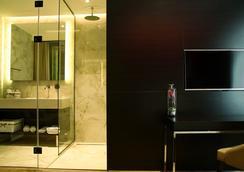 马卡尼豪华套房公寓式酒店 - 贝尔格莱德 - 浴室