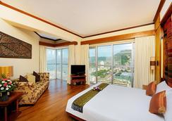 皇家天堂酒店 - 芭东 - 睡房