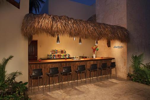 蓬塔卡纳巴瓦罗海滩阳光景致度假村 - 蓬塔卡纳 - 酒吧