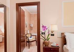 安巴夏特利宫酒店 - 罗马 - 浴室