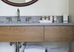 罗斯特公寓式酒店 - 费城 - 浴室